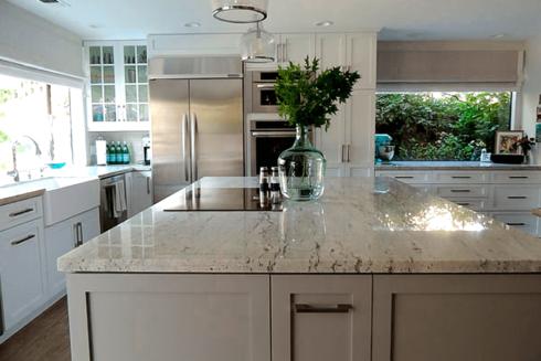 granito branco para cozinha 4 490x327 Escolhendo GRANITO branco para cozinhas e soleiras
