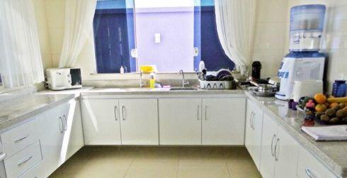 imagem 13 6 490x251 Escolhendo GRANITO branco para cozinhas e soleiras