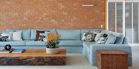imagem 24 15 490x245 Sala Com SOFÁ AZUL veja os modelos e como decorar o ambiente