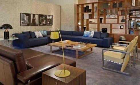 imagem 5 19 490x297 Sala Com SOFÁ AZUL veja os modelos e como decorar o ambiente