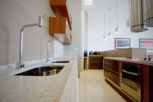 imagem 5 5 490x327 Escolhendo GRANITO branco para cozinhas e soleiras