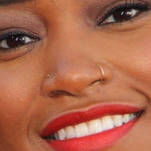 piercing nostril 4 490x490 Piercing no NARIZ veja qual escolher ( Tipos, fotos )