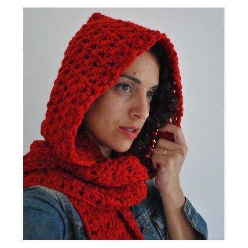 cachecol com capuz vermelho 490x490 Como usar Cachecol com CAPUZ e Gráficos de Crochê