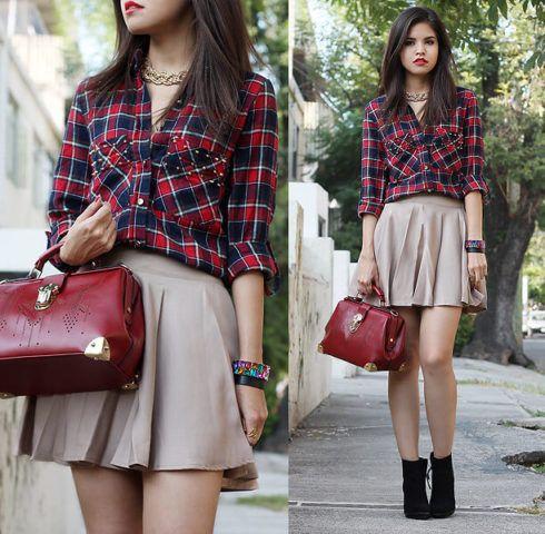 camisa xadrez feminina com saia curta 490x480 Como usar estampa XADREZ conheça os looks