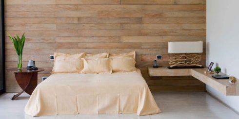 madeira no quarto na parede 490x245 PAREDE DE MADEIRA, revestimento bonito que dá certo