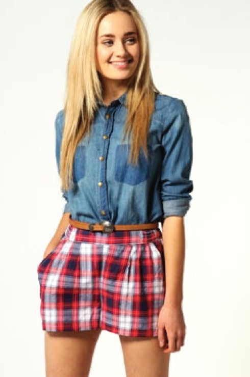 modelos de shorts xadrez femininos 490x740 Como usar estampa XADREZ conheça os looks