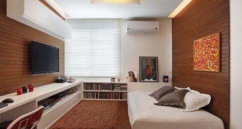 na sala de tv tamb%C3%A9m pode ter um deck 490x261 PAREDE DE MADEIRA, revestimento bonito que dá certo