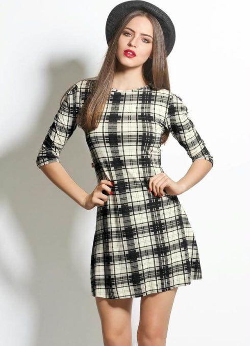 vestido xadrez curto preto e branco 490x678 Como usar estampa XADREZ conheça os looks