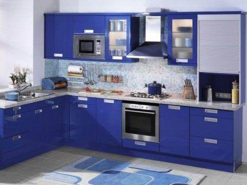 cozinha decorada com azul 3 490x368 Ambientes decorados com Azul (Sala, Cozinha, banheiro, Quarto)