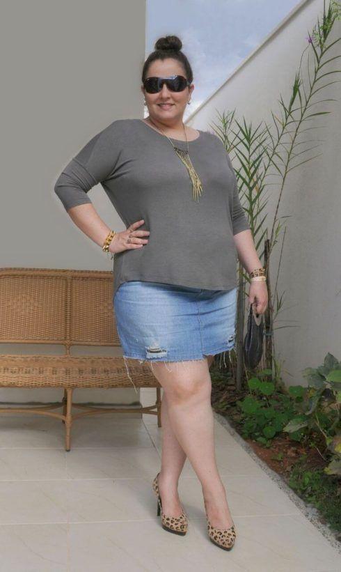 saias plus size jeans para dia a dia 490x821 Especial saias PLUS SIZE modelitos que encantam