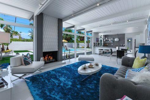 sala de estar decorada azul 3 490x327 Ambientes decorados com Azul (Sala, Cozinha, banheiro, Quarto)