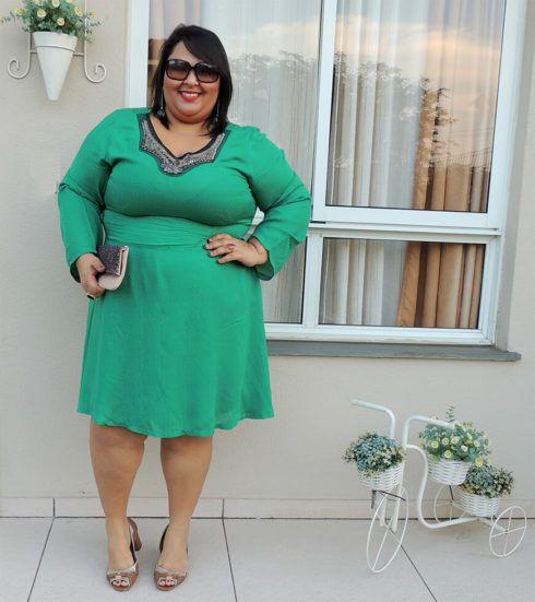 vestido plus size para casamento verde ate o joelho 490x551 Vestidos PLUS SIZE para Festas e Baladas e dia a dia