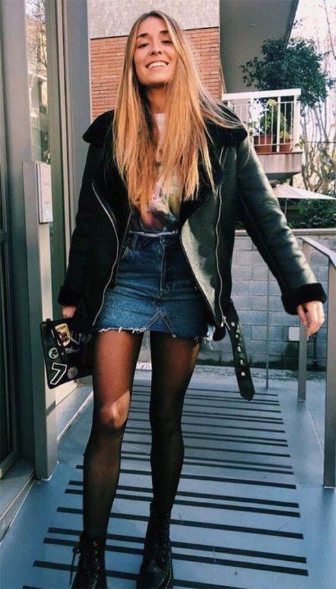 IMAGEM 45 490x858 Jeitos de usar Saia Jeans Curta Perfeita para o Verão