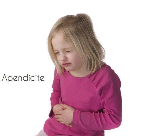 apendicite em criancas 490x450 Sintomas da Apendicite em Crianças e Adultos, O Tratamento