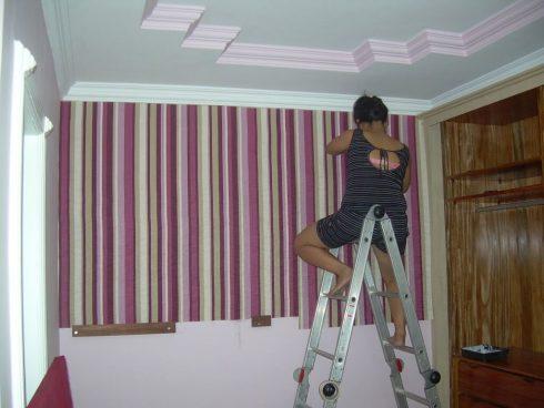 aplicar tecido na parede 490x368 Como Aplicar Tecido na Parede para Decoração do Ambiente