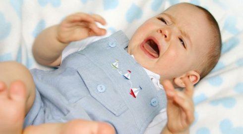 gastroenterite infantil e bebe 490x270 Gastroenterite Infantil O que é necessário saber para tratar