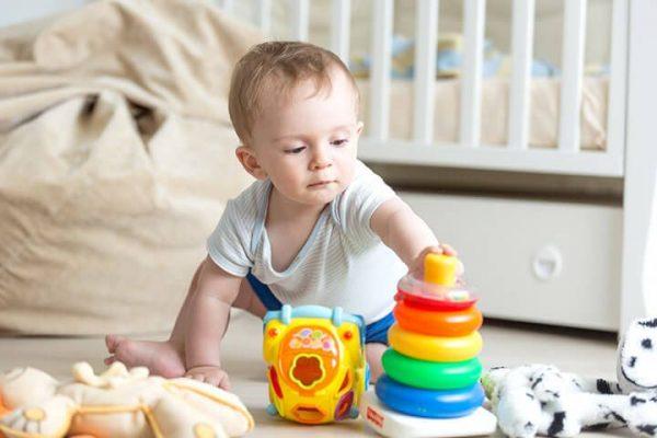 Desenvolvimento do bebê de 10 meses de vida, conheça