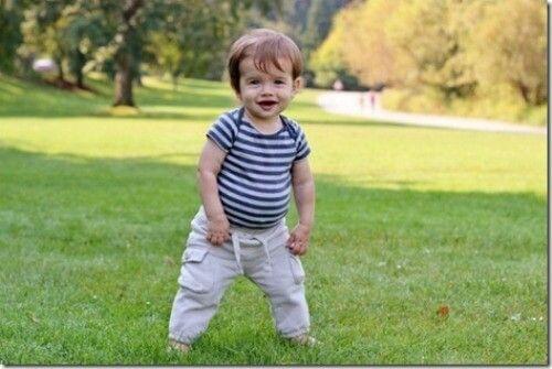 Desenvolvimento do bebê com 11 meses de vida, conheça