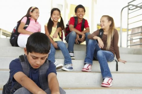 criancas que fazem bullying 490x326 Crianças que fazem Bullying na Escola, o que fazer