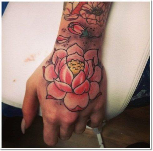 imagem 50 2 490x483 Tatuagem Flor de Lótus Feminina, Áreas a Tatuar