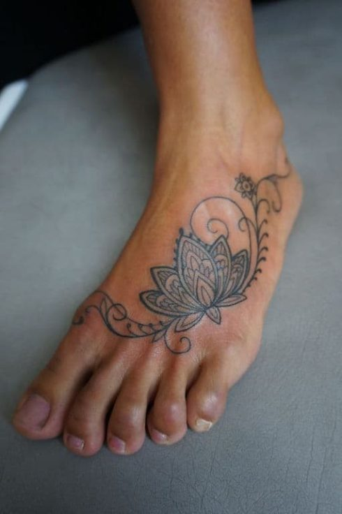 imagem 75 490x736 Tatuagem Flor de Lótus Feminina, Áreas a Tatuar