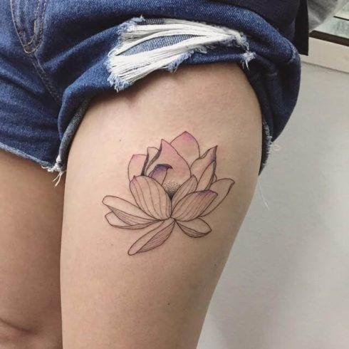 tatuagem flor de lotus na perna 2 490x490 Tatuagem Flor de Lótus Feminina, Áreas a Tatuar