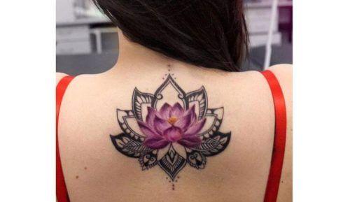 tatuagem flor de lotus nas costas 3 490x289 Tatuagem Flor de Lótus Feminina, Áreas a Tatuar