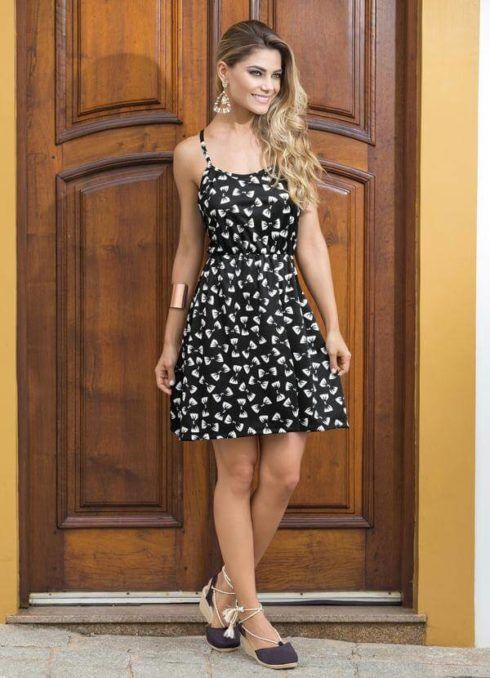 vestido de verao de alcinha 1 490x678 Vestidos de Verão : Modelos doces e Encantadores, confira