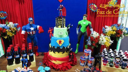 festa de aniversario liga da justica 2 490x276 Festa Infantil de Aniversário Liga da Justiça como Decorar com Esse Tema