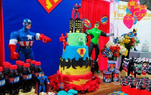 festa de aniversario liga da justica 4 490x307 Festa Infantil de Aniversário Liga da Justiça como Decorar com Esse Tema