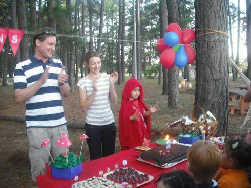imagem 14 5 490x368 Decoração Festa Chapeuzinho Vermelho de Aniversário infantil