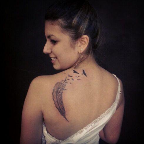 imagem 21 4 490x490 Fotos Tatuagem de Pena Feminina, Em Várias partes de Corpo