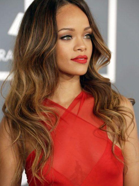 imagem 48 490x653 Cabelo Ombré Hair visuais Incríveis e charmosos