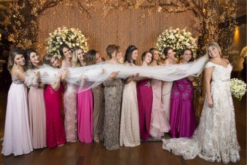 imagem 61 1 490x327 Vestidos para Madrinha de Casamento 2019 2020, Jeitos de usar