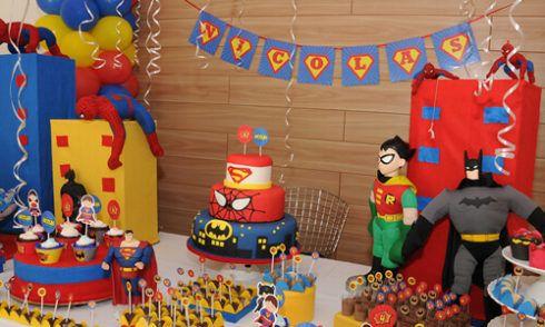 imagem 9 4 490x294 Festa Infantil de Aniversário Liga da Justiça como Decorar com Esse Tema