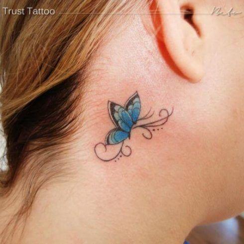 tatuagem borboleta atras da orelha 1 490x490 Tatuagem de Borboleta Feminina, Desenhos, partes do Corpo