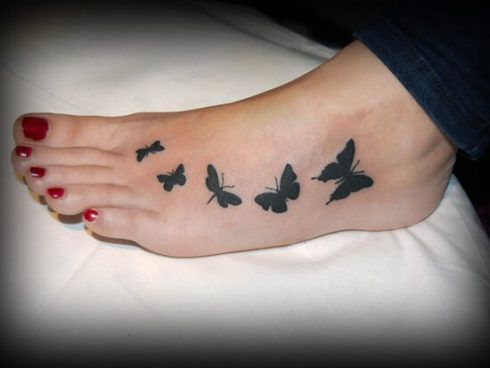 tatuagem borboleta no pe 4 490x368 Tatuagem de Borboleta Feminina, Desenhos, partes do Corpo