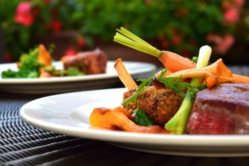 jantar cetogenico 490x327 Dieta Cetogênica, Cardápio, Alimentos, Receitas